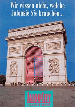 Werbung aus dem Jahr 1992: Pinke Jalousien am Arc de Triomphe in Paris