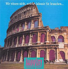 Werbung aus dem Jahr 1992: Pinke Jalousien am Kolosseum in Rom
