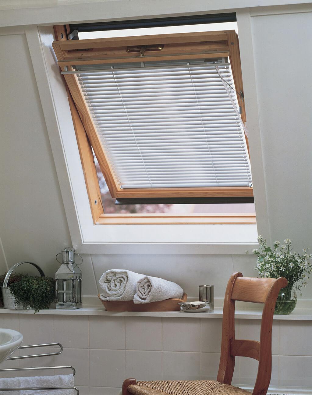 Neu JalouCity Sichtschutzlösungen für Velux Dachfenster VL84