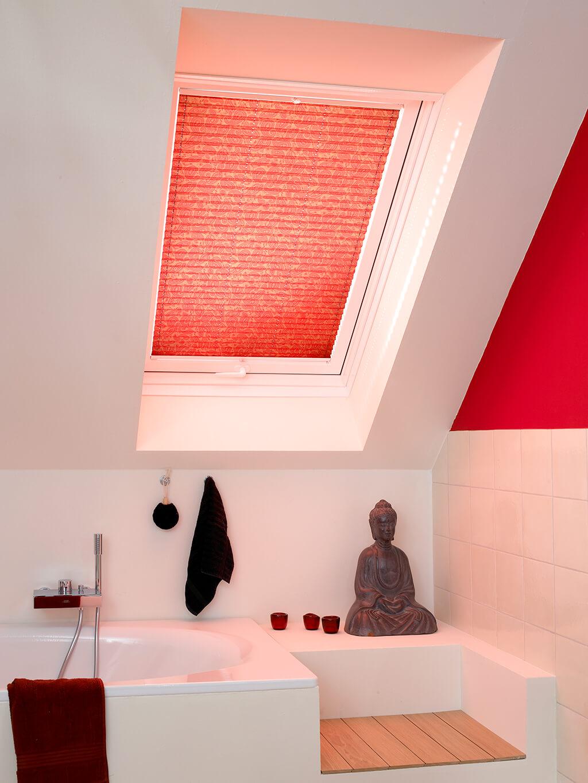Plissee Rot Dachfenster 01