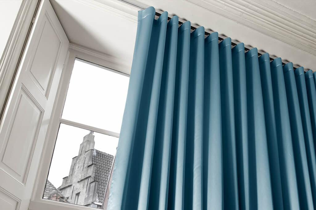 Vorhang Blau Satin 01 Detail 02