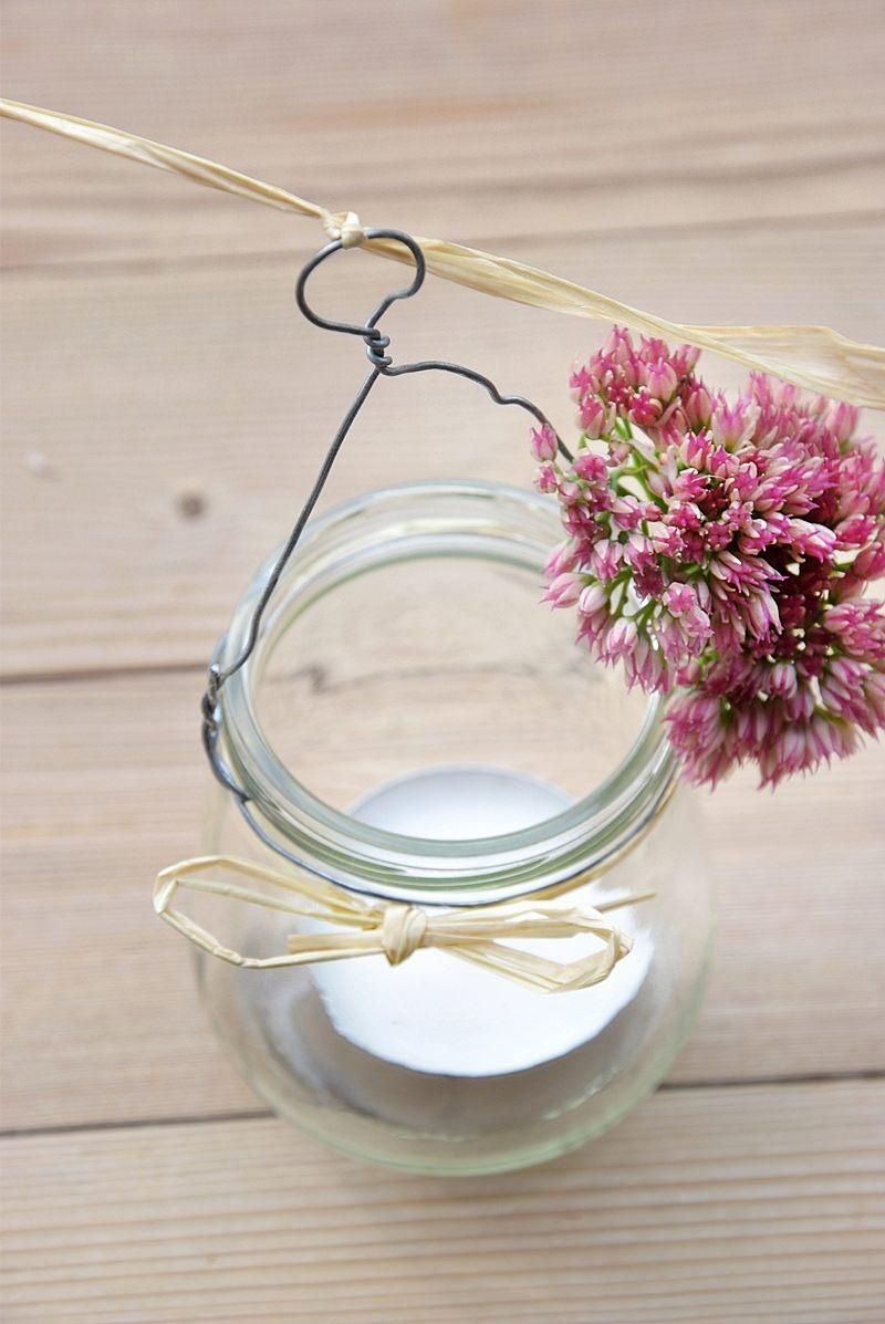 Blumen und Glas verbinden