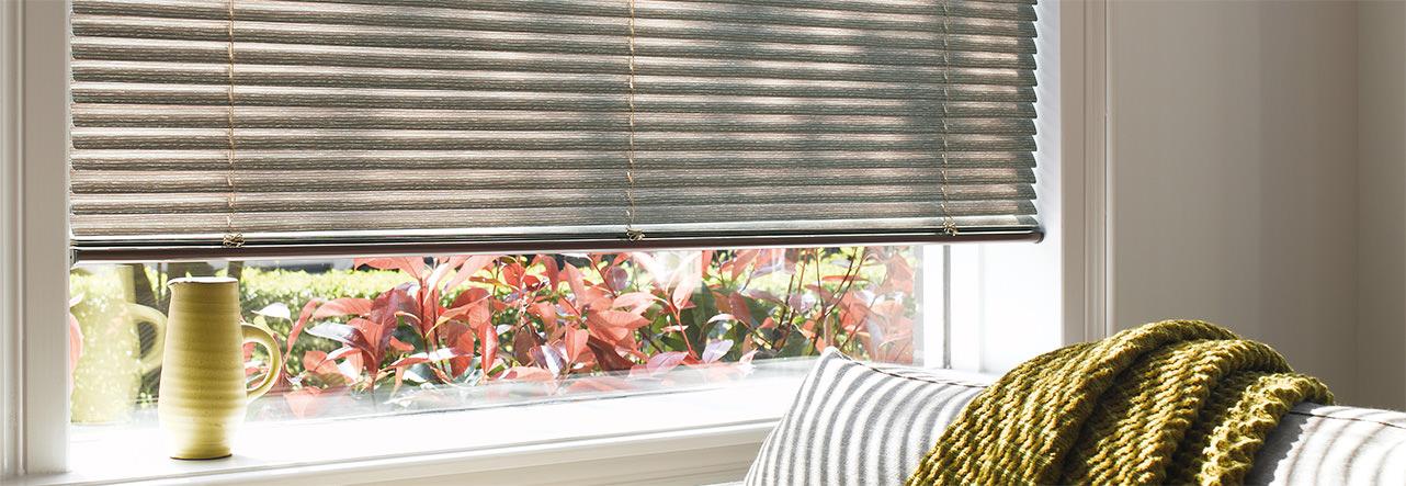 Luxaflex Jalousien in verschiedenen Farben und Designs