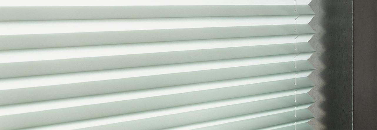 Luxaflex Plissees in weiß