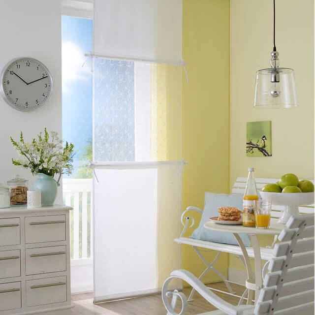 Flächenvorhang weiß mit zartem tranparenten Einsatz