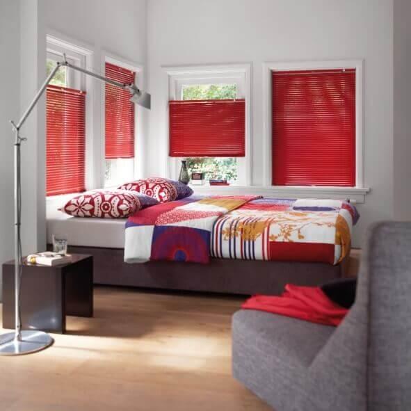 Jalousie Slide Plus Easylift praktisch fürs Schlafzimmmer