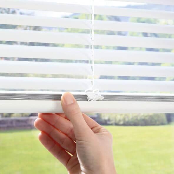 Passgenau am Fenster - Einbaujalousien