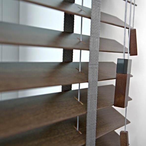 Edle Schnur- und Kettenbeschwerer aus Holz und Metall eckig