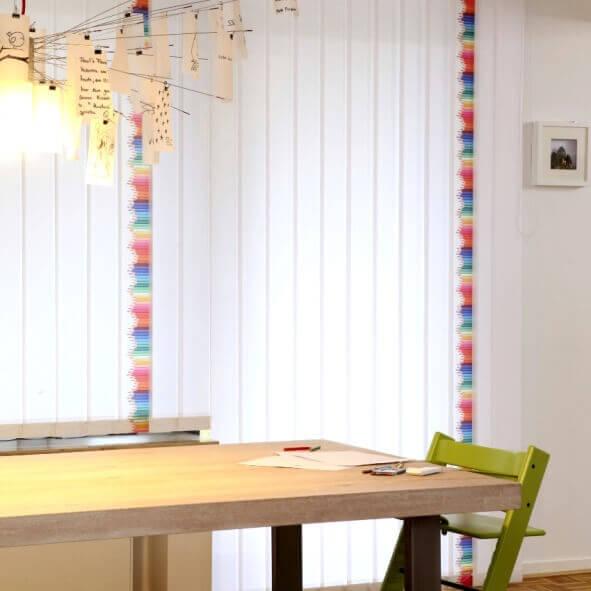 Lamellenvorhänge creativprint im Esszimmer