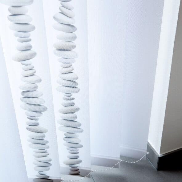 Lamellenvorhänge creativprint mit Steinen Detail