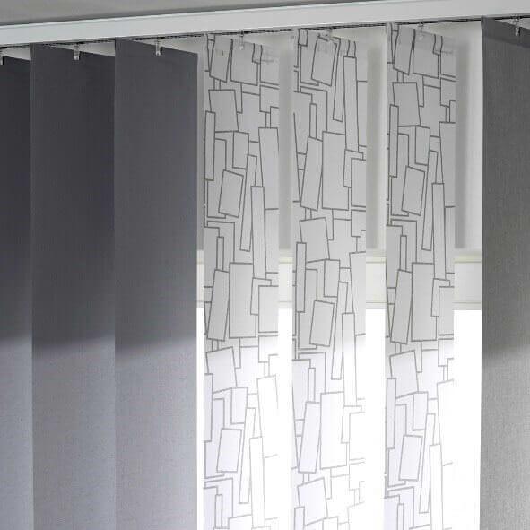 Lamellenvorhang in unterschiedlichen Farben mit Dekor im Detail