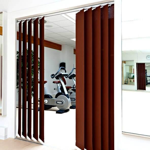 lamellenvorh nge mit kettenzug auch als raumteiler. Black Bedroom Furniture Sets. Home Design Ideas
