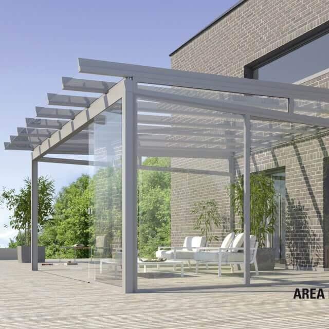 AREA classic auf einer Terrasse mit halbgeöffneten Glasflächen