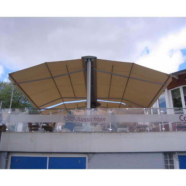 Dekorative und funktionellen Regen-, Sonnen- und Sichtschutz für Terrassen von Leiner