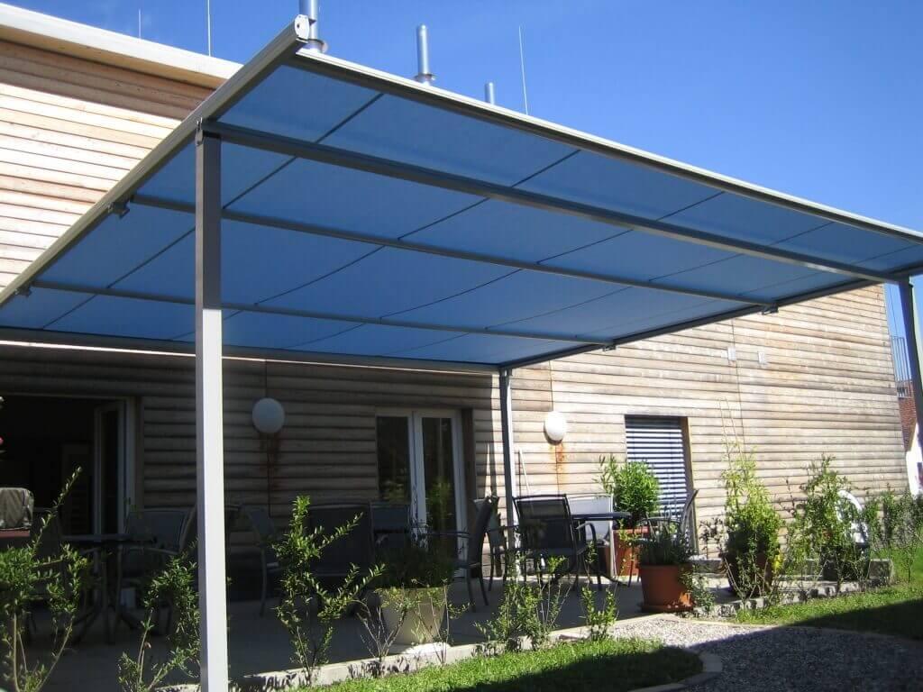 PERGOLA WGB 150 auf einer großen Terrasse
