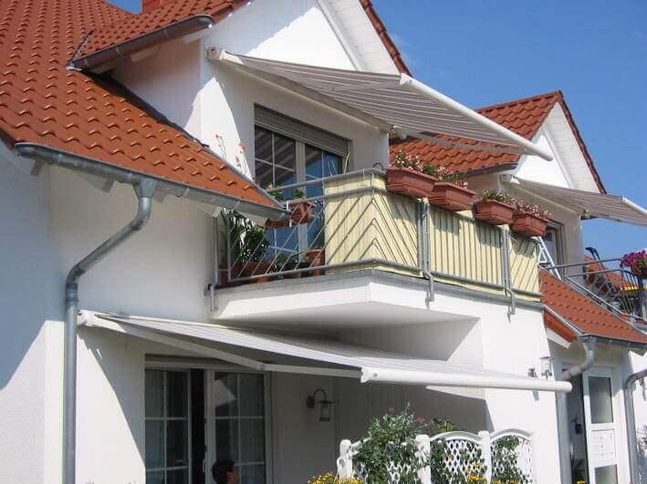 Kassettenmarkise FINO am Balkon montiert