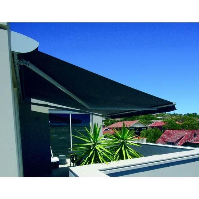 Gelenkarmmarkise Ventura Trend Dachterrasse Seitenansicht