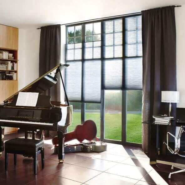 Plissee mit Doppelschnur-Bedienung im Musikzimmer