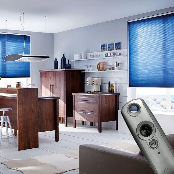 elektrische plissees bequeme bedienung per knopfdruck. Black Bedroom Furniture Sets. Home Design Ideas