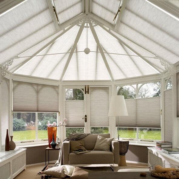 plissees in sonderformen von rund bis achteckig. Black Bedroom Furniture Sets. Home Design Ideas
