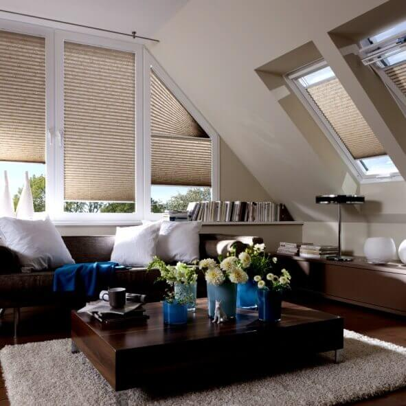 Dachfenster Plissees passend für alle Sonderformen im Dachgeschoss