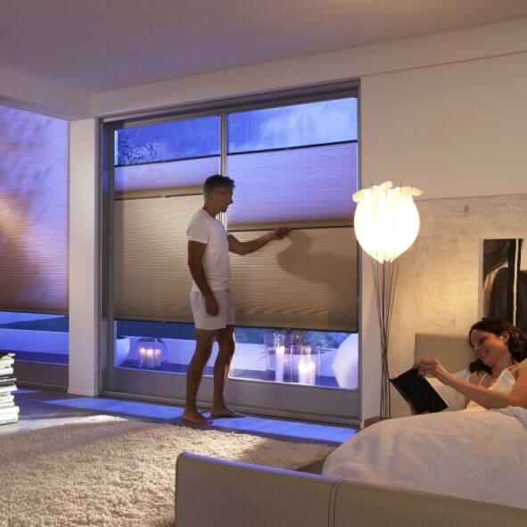 plissee tag nacht sichtschutz und verdunkelung. Black Bedroom Furniture Sets. Home Design Ideas