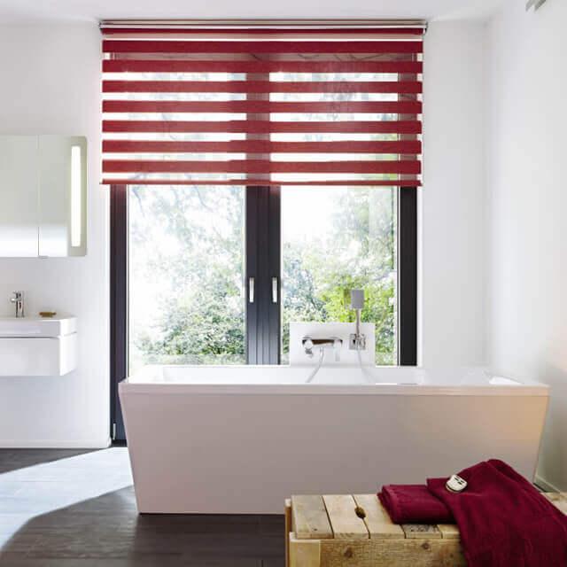 DuoRoll Doppelrollo in edlem rot fürs Badezimmer