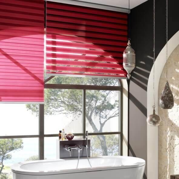 Sunstrip Doppelrollo rot Badezimmer