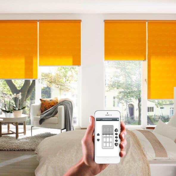 eRollo orange Schlafzimmer mit Fernbedienung