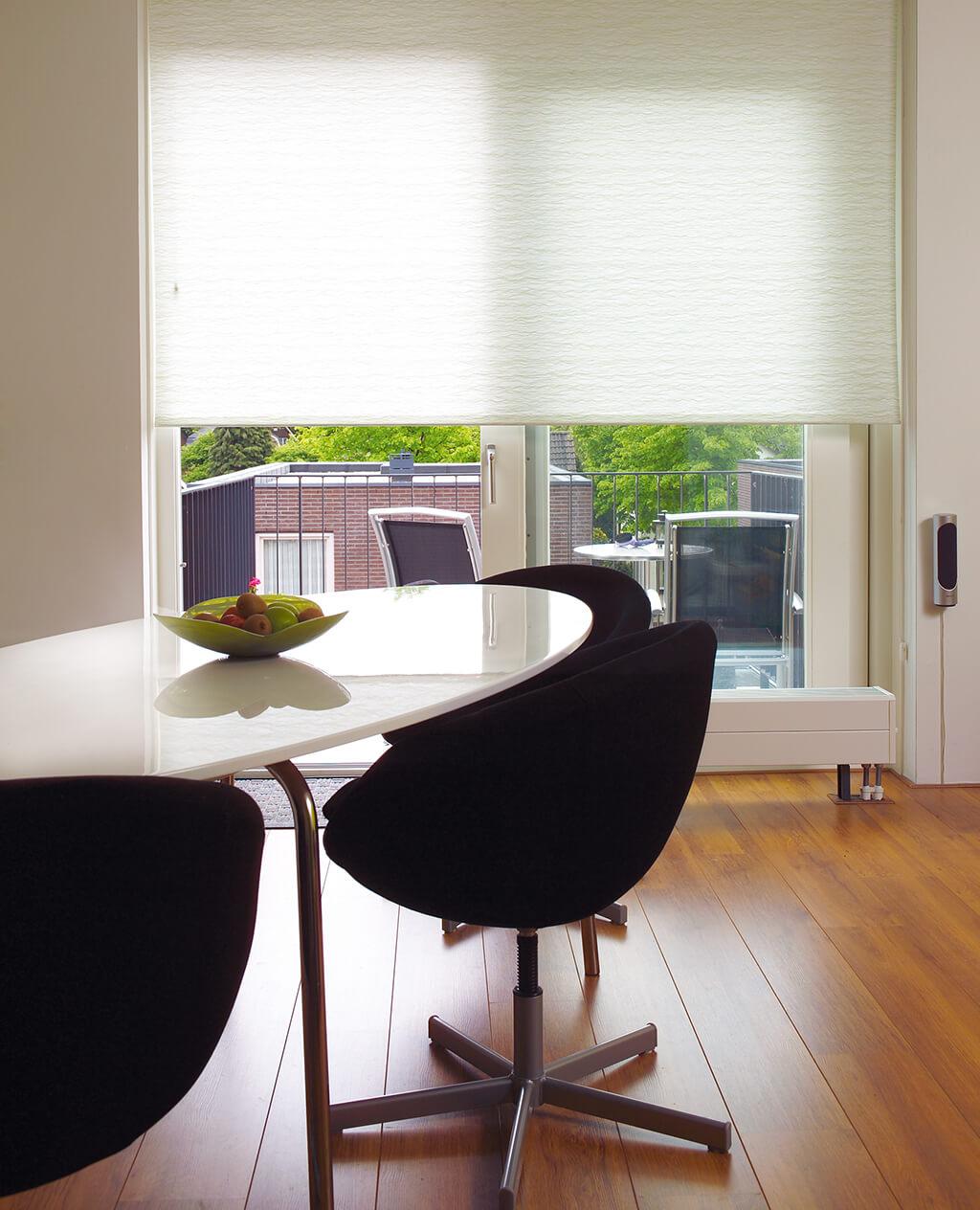 k chenschrank rollo dekor home design ideen. Black Bedroom Furniture Sets. Home Design Ideas