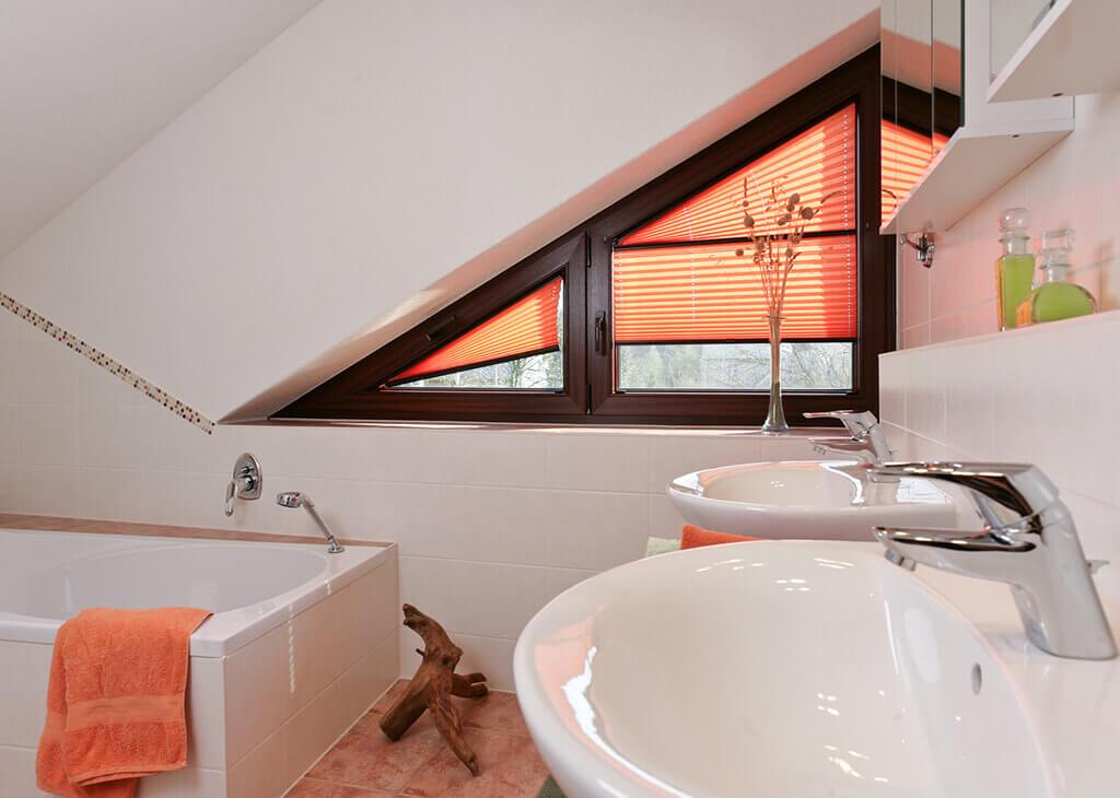 Sichtschutz im Bad - Plissees und Rollos für Badezimmer