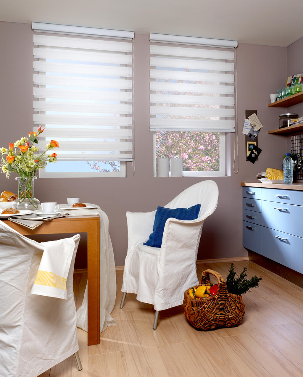 Dekorativer Lichtschutz: Rollos und Plissees fürs Esszimmer