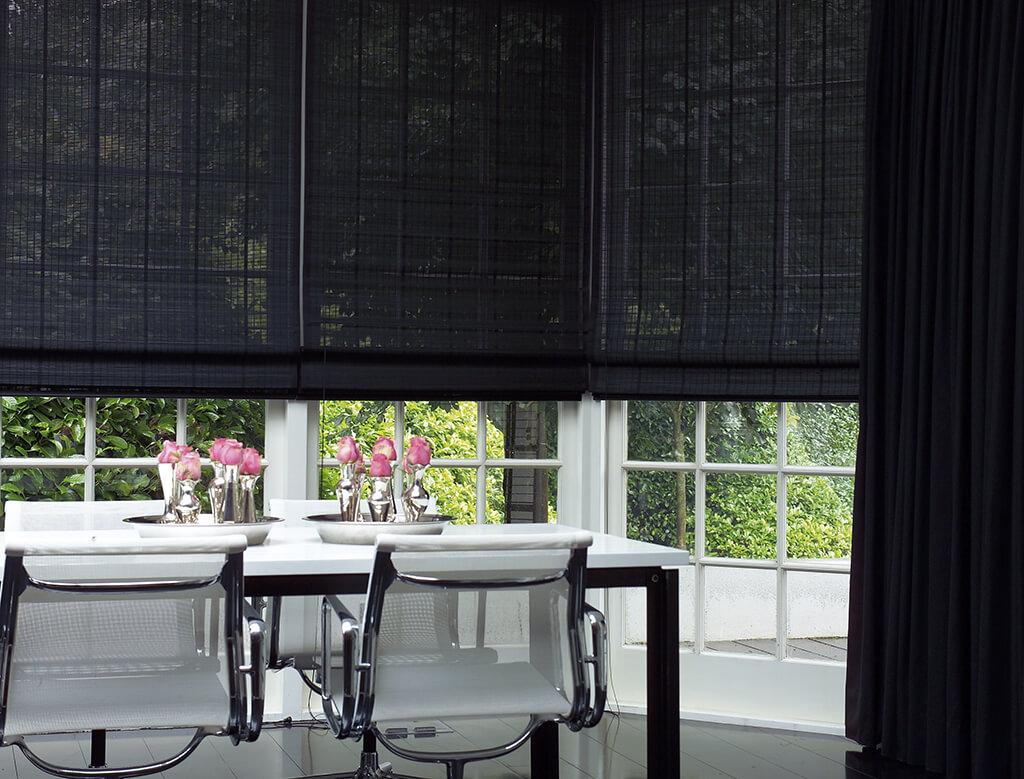dekorativer lichtschutz rollos und plissees f rs esszimmer. Black Bedroom Furniture Sets. Home Design Ideas