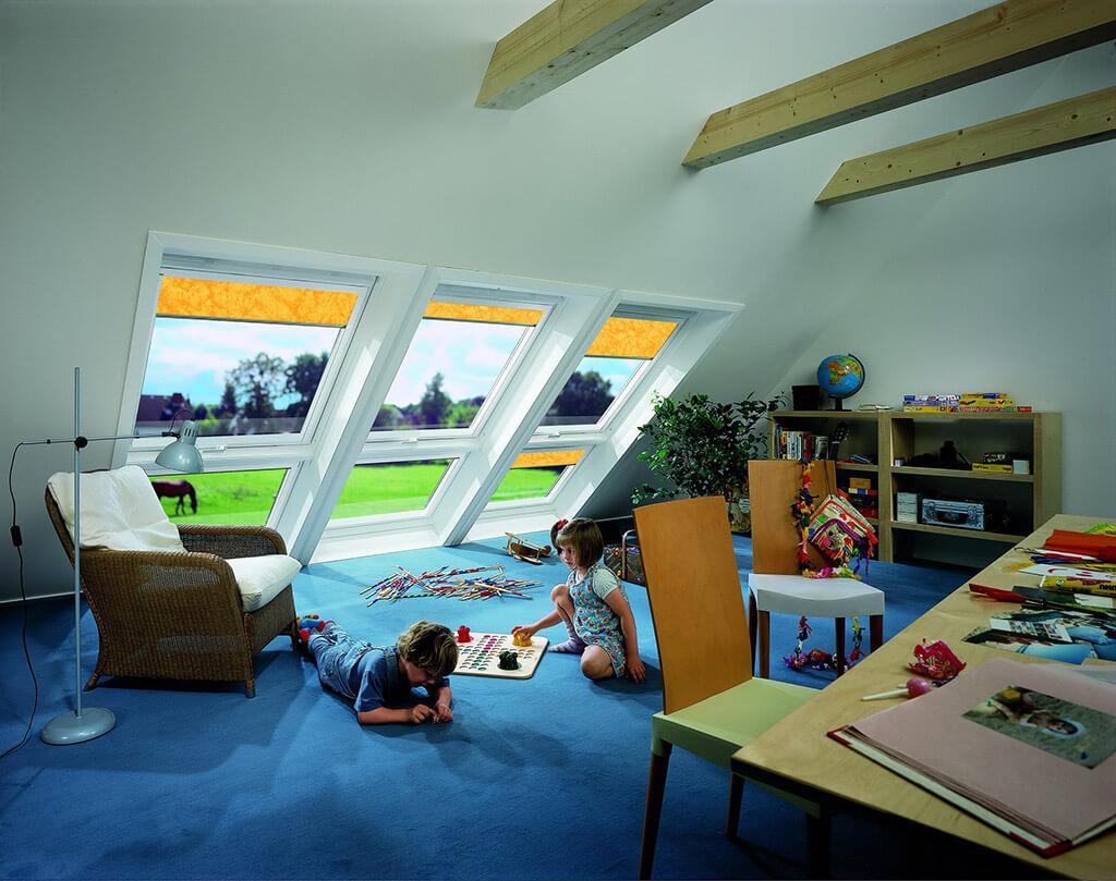 Farbenfrohe Dachfenster Rollos