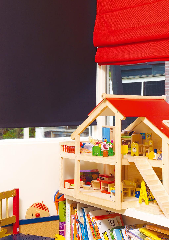 kinderzimmer rollos und plissees mit motiven. Black Bedroom Furniture Sets. Home Design Ideas