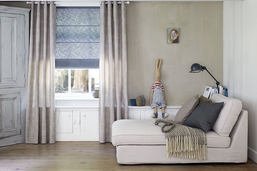 Rollo Schlafzimmer | Schlafzimmer Verdunkeln Fur Sichtschutz Und Ruhe