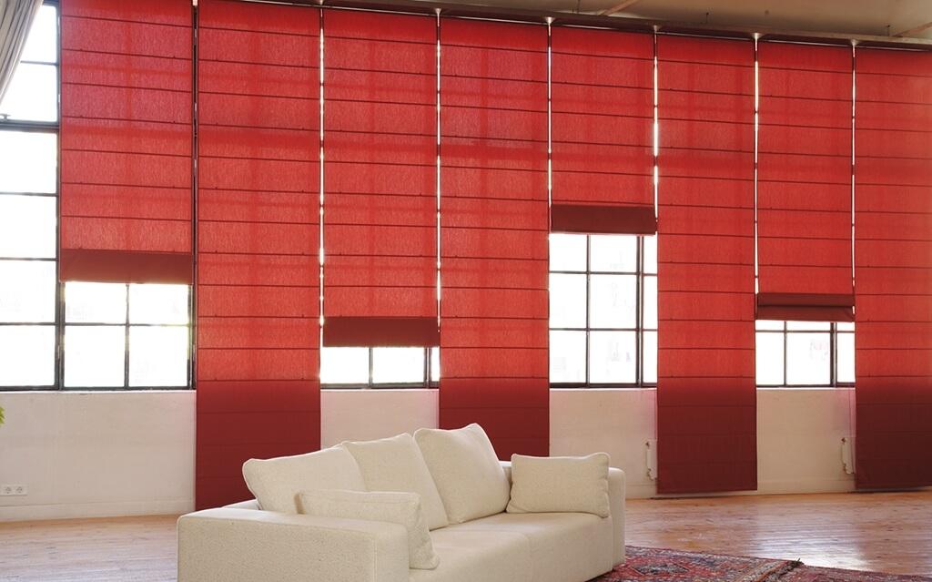 Faltrollo Bandalux in Rot für individuelle Sichtschutzgestaltung