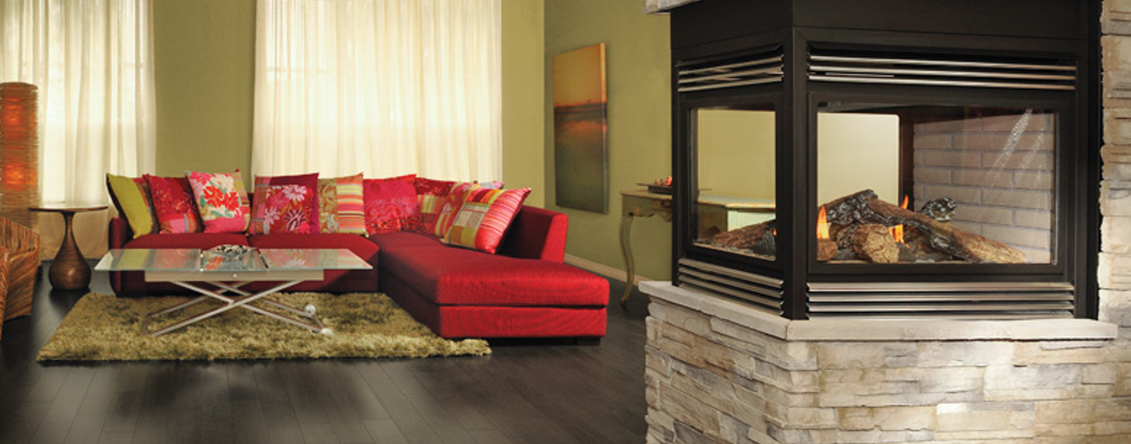 Kreative Wohnraumgestaltung mit unterschiedlichen Farbkonzepten