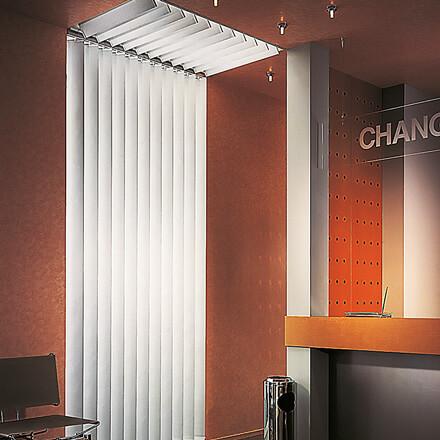 lamellenvorh nge f r schr ge fenster unser lamellenvorhang slope. Black Bedroom Furniture Sets. Home Design Ideas