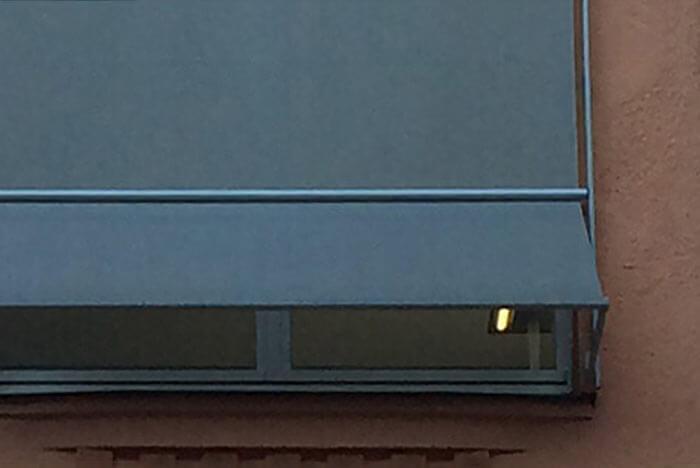 Fenstermarkise Arco / Canto M (Markisolette) - Senkrechtmarkise mit Fallarm