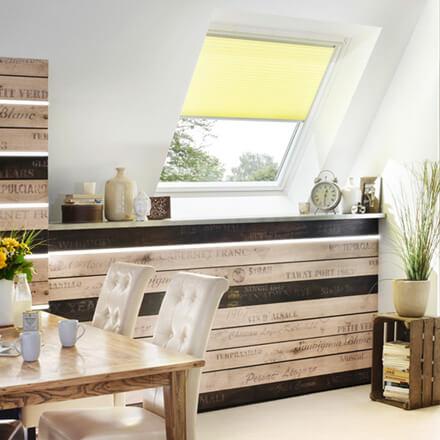 velux dachfenster rollos passgenaue rolls f r ihre dachfenster. Black Bedroom Furniture Sets. Home Design Ideas