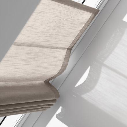 velux raffrollos f r dachfenster passgenau und schnell montiert. Black Bedroom Furniture Sets. Home Design Ideas