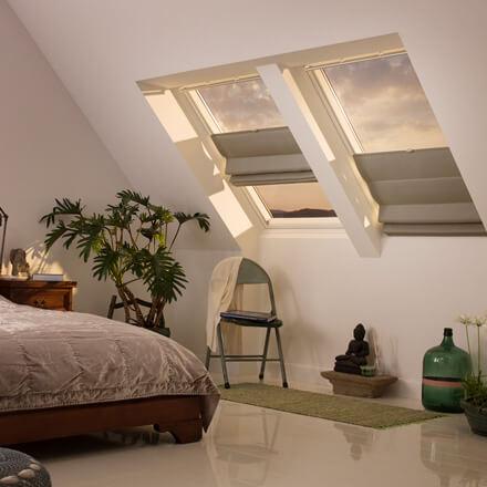 VELUX Raffrollos für Dachfenster – passgenau und schnell montiert