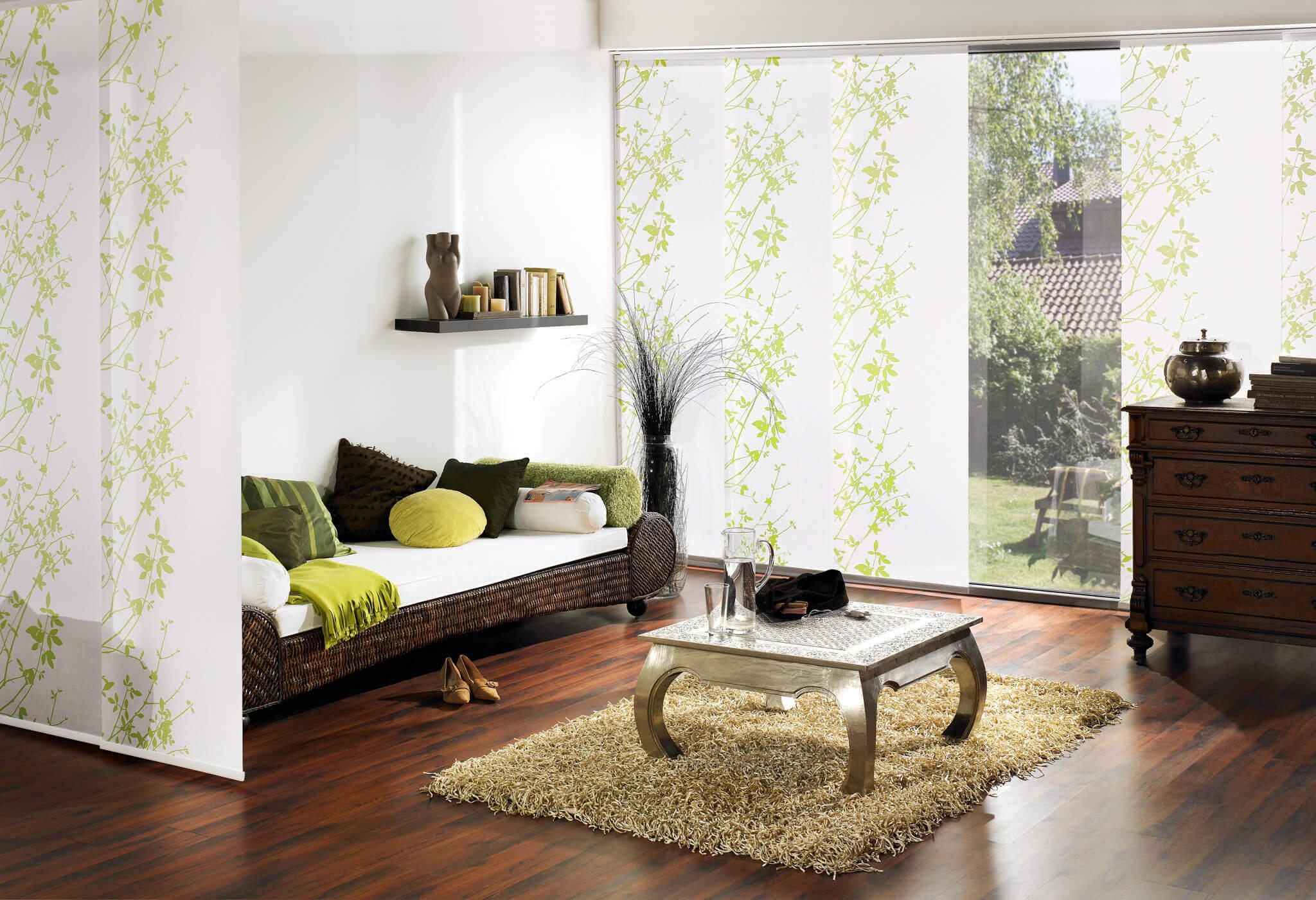 Flächenvorhänge – Raumteiler und Fensterdekoration