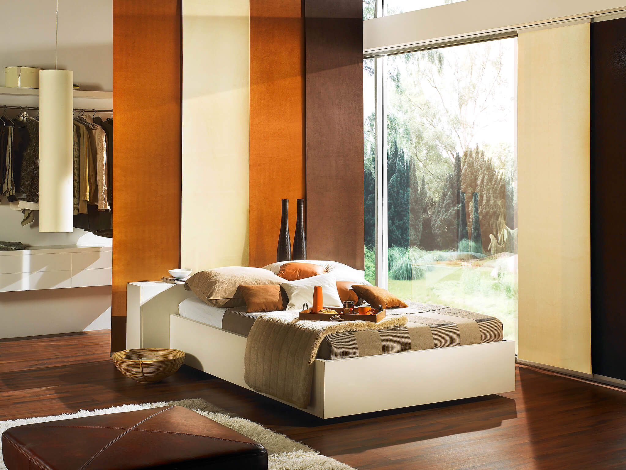 fl chenvorh nge raumteiler und fensterdekoration. Black Bedroom Furniture Sets. Home Design Ideas