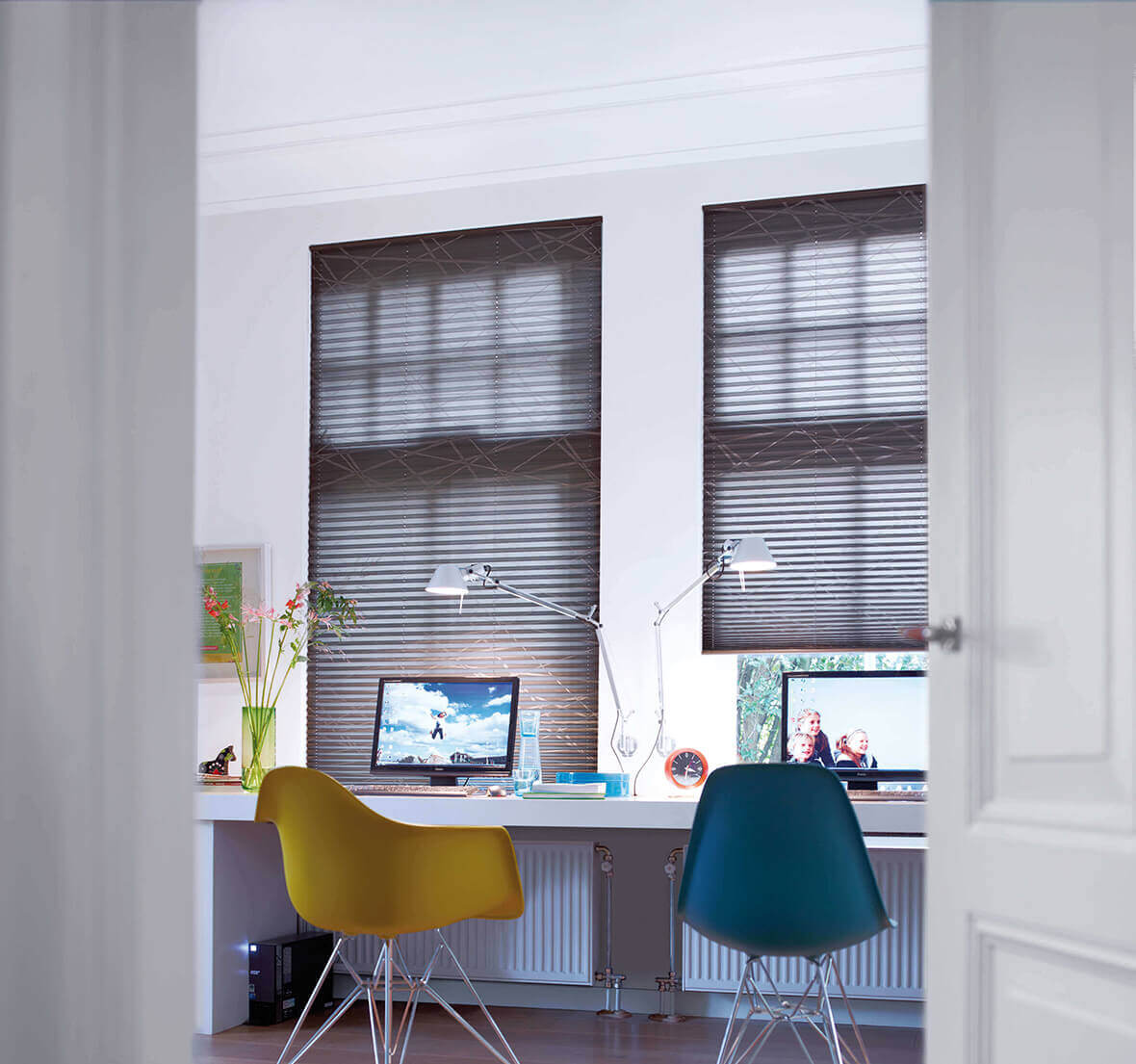plissee hersteller vergleich awesome plissee farbverlauf liedeco lichtschutz ohne bohren. Black Bedroom Furniture Sets. Home Design Ideas